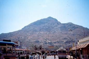 arunachala 1989 - barren mtn dry rocks